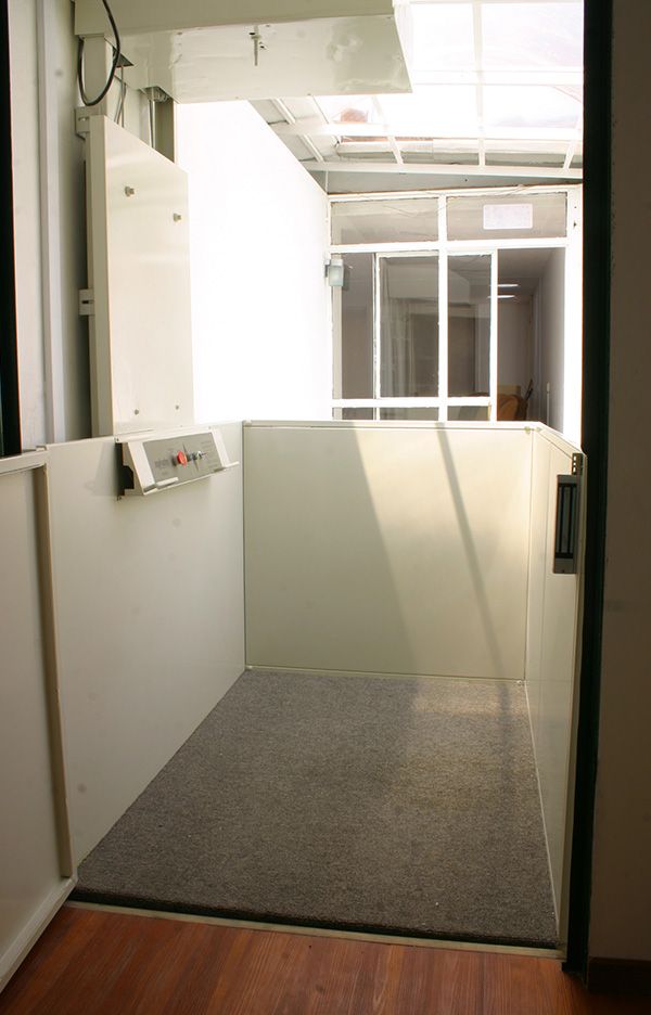 Elevador plataforma highlander elevador en casaelevador for Plataforma para silla de ruedas